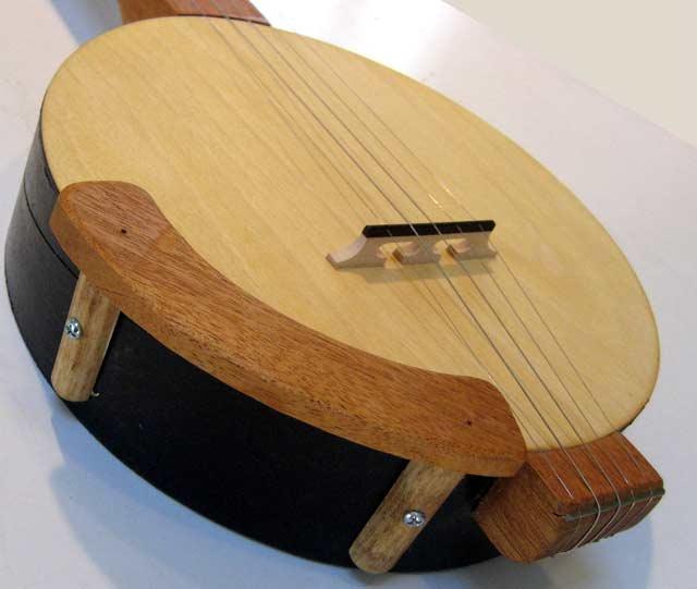 Banjo Armrest